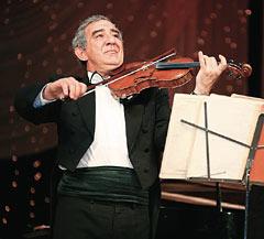 Михаил Казиник гастролирует по всему миру с лекциями, концертами, мастер-классами, творческими вечерами